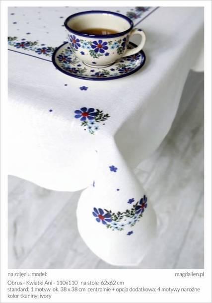 Obrus - Kwiatki Ani - 140 x 140 cm (1)